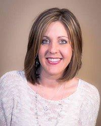 Lori Peebles headshot